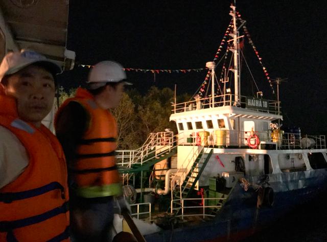 Ngay trong đêm xảy ra sự cố cháy, Bộ trưởng Bộ Công an Tô Lâm, Bí thư Thành ủy - Chủ tịch HĐND thành phố Lê Văn Thành đã trực tiếp đến hiện trường chỉ đạo các đơn vị liên quan khắc phục sự cố.