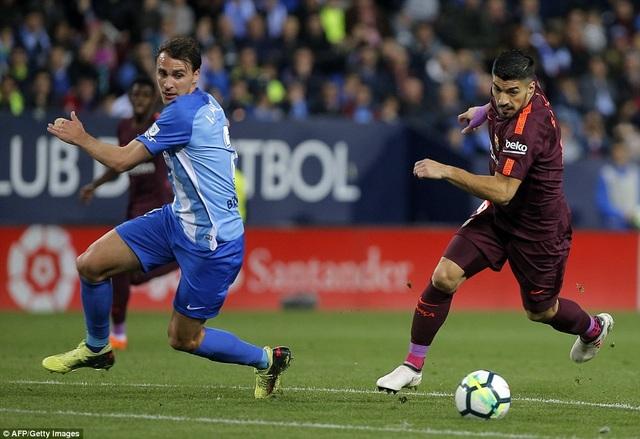 Luis Suarez mở tỷ số cho Barcelona ở phút 15