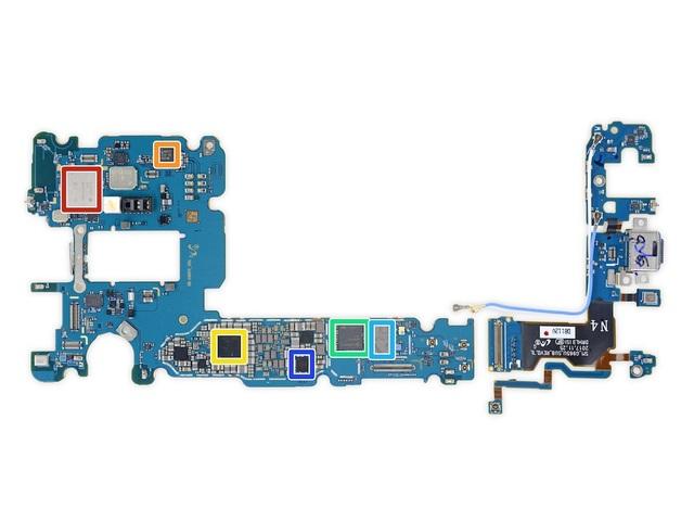 Màu đỏ là chip Wifi/Bluetooth của Murata, màu cam chip NFC NXP 80T17...