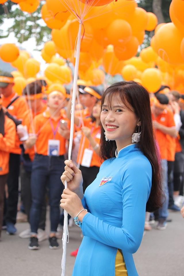 Tiến Dũng, Trọng Đại U23 Việt Nam cùng 5.000 người đi bộ kêu gọi làm việc tốt - 12