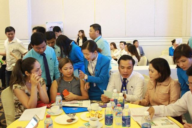 Đông đảo khách hàng đã đến tham dự sự kiện giới thiệu Sunshine Avenue ngay trong lần đầu tiên ra mắt
