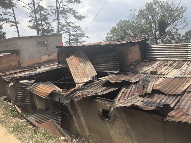 Dãy nhà số 13 Trần Hưng Đạo (Đà Lạt) tan hoang sau vụ hỏa hoạn