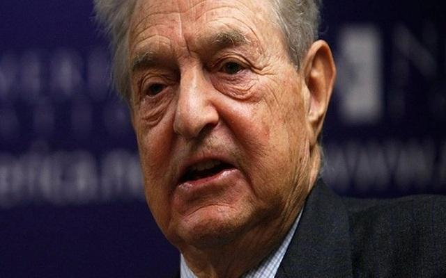 Thương nhân huyền thoại George Soros hiện sở hữu khối tài sản 8 tỷ USD. Ở tuổi thiếu niên, Soros là con đỡ đầu của một nhân viên của Bộ Nông nghiệp Hungary. Năm 1947, Soros đến sống với người thân ở London. Soros làm phục vụ và trông coi đường sắt để học và tốt nghiệp. Trường Kinh tế London. Sau đó, Soros làm việc tại một cửa hàng lưu niệm trước khi làm tại ngân hàng ở thành phố New York.