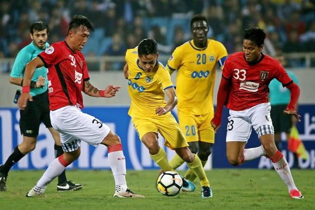 Thanh Hóa (vàng) đã không thể ghi bàn trên sân nhà - Ảnh: Gia Hưng