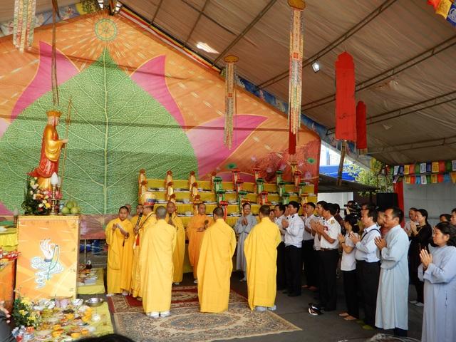Lễ cầu siêu 64 liệt sĩ hy sinh tại đảo Gạc Ma - 2