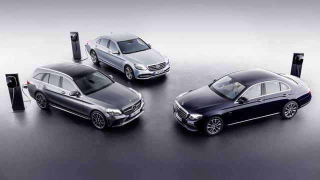 Toyota tụt hạng, Mercedes-Benz trở thành thương hiệu ô tô giá trị nhất thế giới - 1