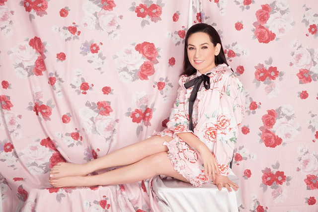 """Phi Nhung khoe vẻ đẹp gợi cảm ở tuổi 45, tự nhận """"sợ đại gia"""" - Ảnh 5."""