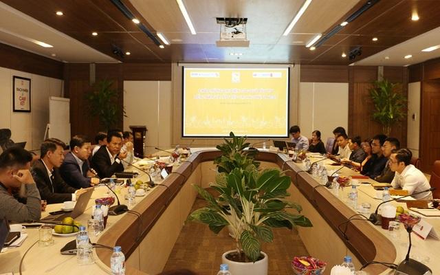 Đại diện lãnh đạo Hải Phát Invest trao đổi với đại diện các Nhà đầu tư.