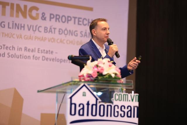 Ảnh Ông Steve Melhuish – Phó chủ tịch của Property Guru (Tập đoàn về Công nghệ BĐS có trụ sở tại Singapore)