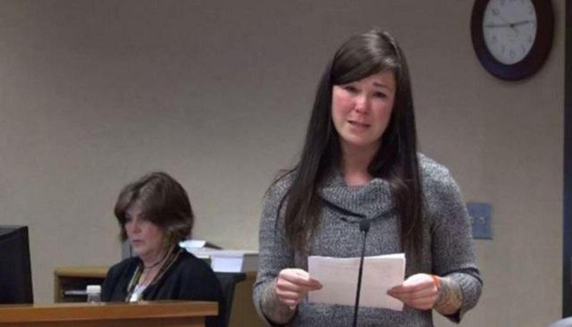 Bảo mẫu 32 tuổi đọc lời xin lỗi và khóc nức nở tại tòa