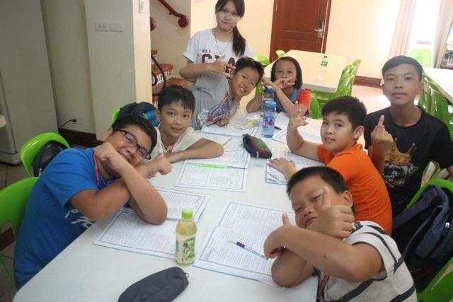 Các giờ học tiếng Anh chiếm phần lớn thời lượng trong chương trình du học hè tại Philippines