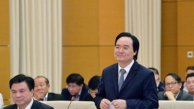 Bộ trưởng GD-ĐT Phùng Xuân Nhạ trình dự án luật trước UB Thường vụ Quốc hội