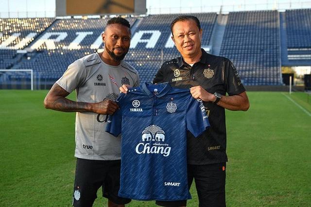Samson chia tay Buriram United sau hai tháng