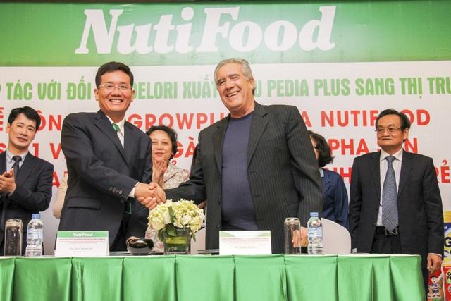 """""""Visa"""" đưa sữa NutiFood vào thị trường Mỹ - 1"""