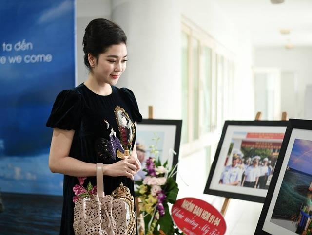 Nguyễn Thị Huyền vẫn giữ được nét đẹp đậm chất Á Đông sau một thời gian dài không xuất hiện.