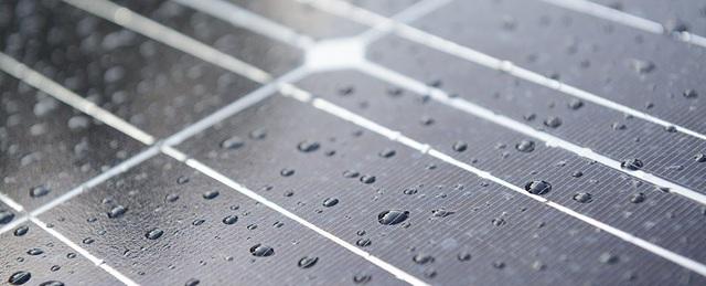 Pin năng lượng mặt trời hybrid sản xuất điện ngay cả khi trời mưa - 1