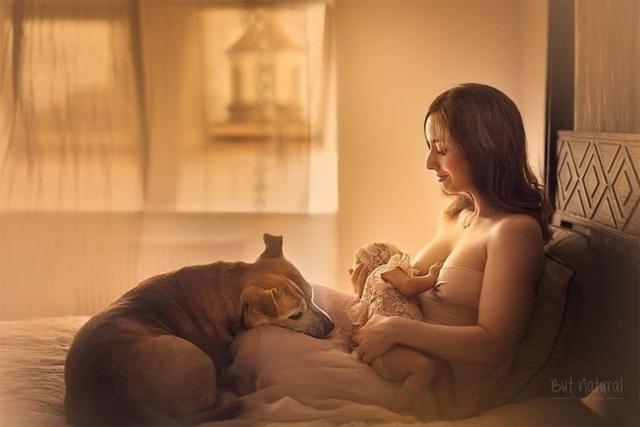 Mê mẩn với bộ ảnh mẹ cho con bú của nhiếp ảnh gia Ấn Độ - 1 Mê mẩn với bộ ảnh mẹ cho con bú của nhiếp ảnh gia Ấn Độ