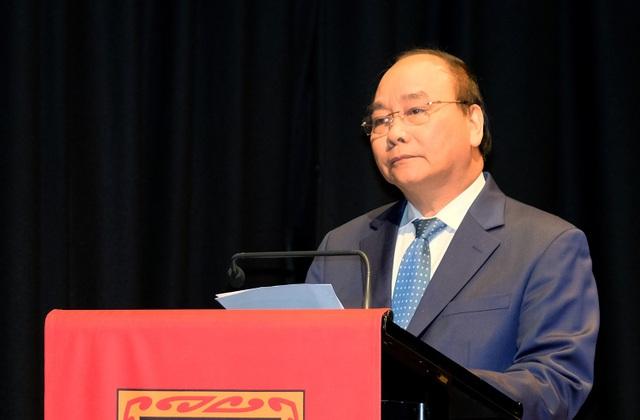 Thủ tướng Nguyễn Xuân Phúc trò chuyện, giao lưu với sinh viên Đại học Waikato. Ảnh: VGP/Quang Hiếu