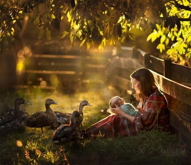 Mê mẩn với bộ ảnh mẹ cho con bú của nhiếp ảnh gia Ấn Độ - 5