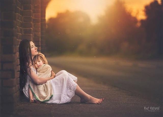Mê mẩn với bộ ảnh mẹ cho con bú của nhiếp ảnh gia Ấn Độ - 9 Mê mẩn với bộ ảnh mẹ cho con bú của nhiếp ảnh gia Ấn Độ