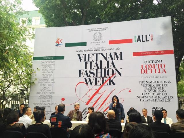 Tuần lễ Thời trang Ý - Việt 2018 được tổ chức nhân kỉ niệm 45 năm thiết lập quan hệ ngoại giao hai nước.