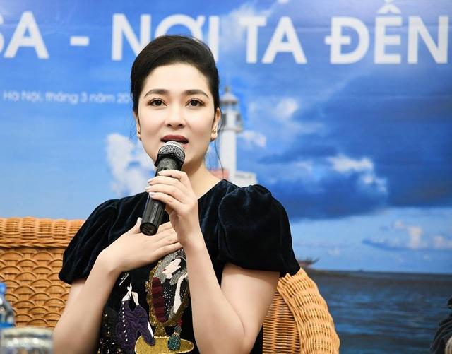 Nguyễn Thị Huyền chia sẻ kỷ niệm trong chuyến đi ra Trường Sa.