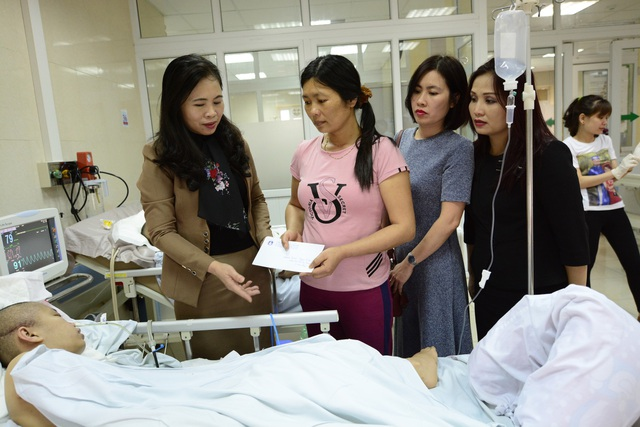 Bà Nguyễn Thị Bích Hợp, Phó Chủ tịch Công đoàn Giáo dục Việt Nam đã chia sẻ những khó khăn, vất vả cô giáo Ngân và gia đình.
