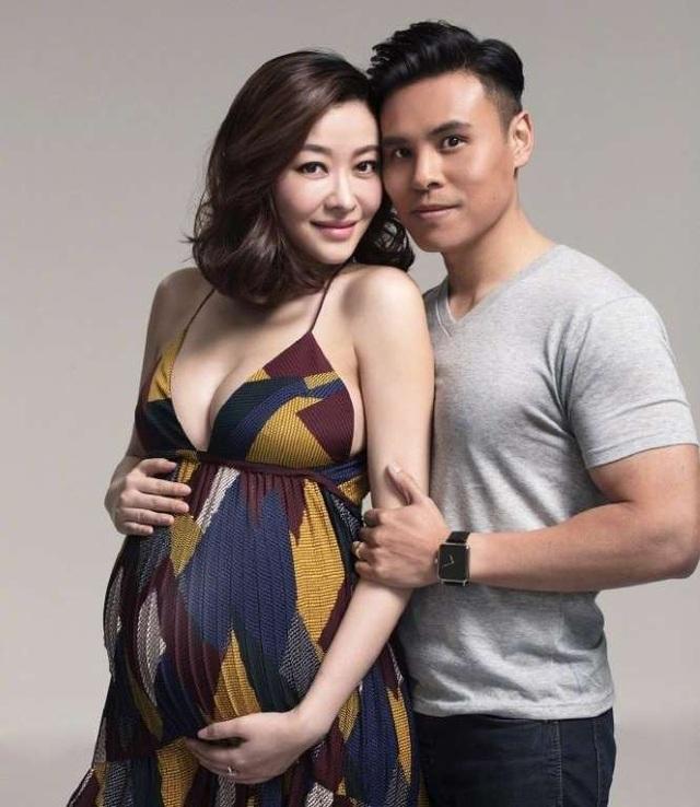 Lâm Đại Hùng hiện đang mang thai 8 tháng và dự sinh vào tháng tới.