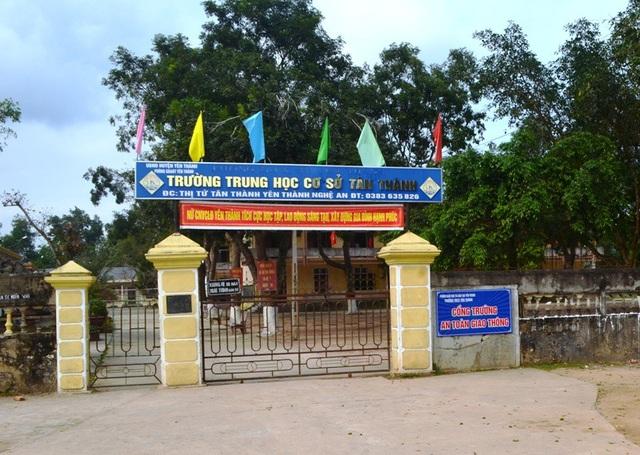 Trường THCS Tân Thành nơi thầy Đặng Minh Thủy công tác.