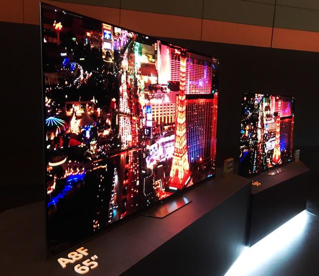 Dòng OLED A8F thì vẫn nối tiếp những gì tinh tuý và thành công nhất mà một chiếc TV cao cấp của Sony có thể làm được.