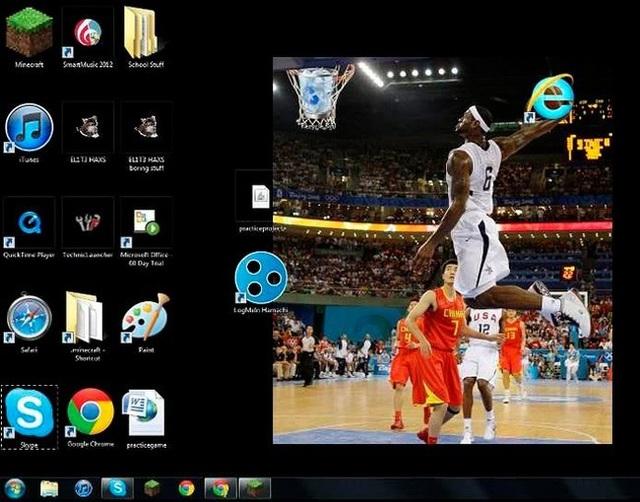 """Một cú ném để đưa """"Internet Explorer"""" vào """"Thùng rác"""". Hẳn chủ nhân của màn hình máy tính này rất ghét trình duyệt web Internet Explorer"""