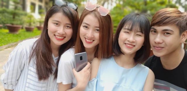 Galaxy A8/A8+: Không chỉ có camera selfie kép đỉnh cao - 2