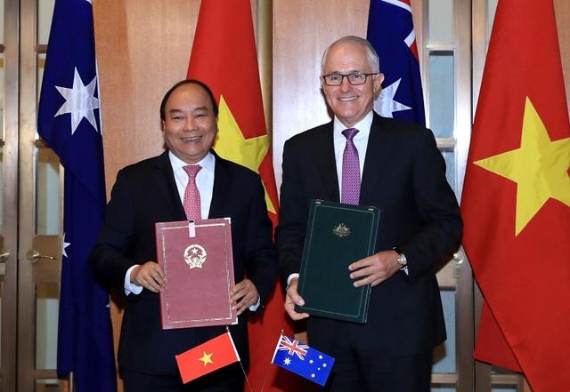 Thủ tướng Nguyễn Xuân Phúc và Thủ tướng Australia ký Tuyên bố chung nâng quan hệ hai nước lên Đối tác chiến lược từ ngày 15/3/2018