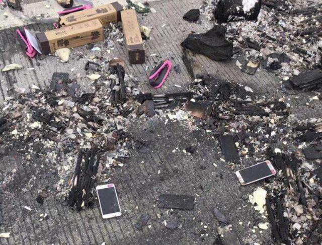Nhiều máy trong đó đã bị cháy rụi và không còn nguyên dạng.