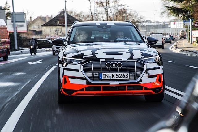 Audi bắt đầu thử nghiệm động cơ dùng nhiên liệu nhân tạo - 1