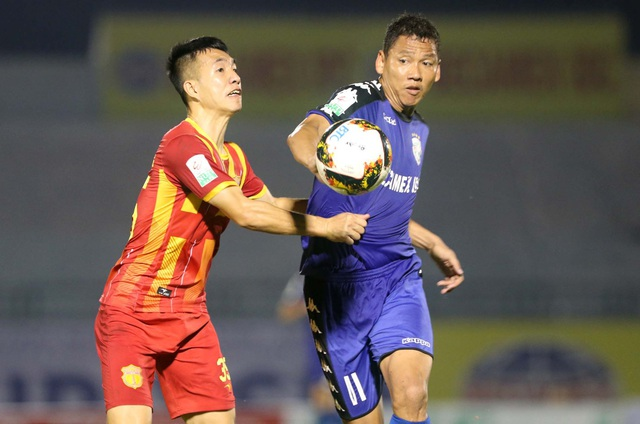 Anh Đức ghi bàn cho B.Bình Dương, khiến CLB Hà Nội bị chia điểm ở vòng 4