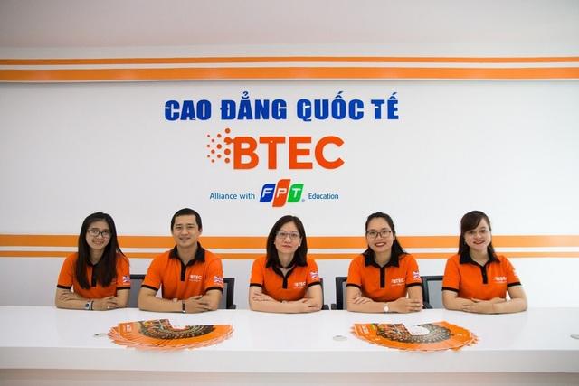 Cao đẳng Quốc tế BTEC FPT tại Đà Nẵng đi vào hoạt động đã tạo thêm nhiều cơ hội cho sinh viên theo học được học tập trong môi trường giáo dục hiện đại chuẩn Quốc tế đã được công nhận toàn cầu.