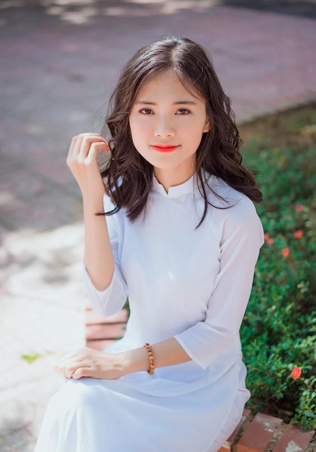 Nữ sinh xứ Nghệ xinh xắn, học giỏi, hát dân gian ngọt ngào - 3