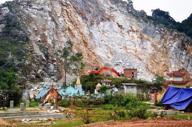 Mặc dù 2 mỏ đá ở xã Quảng Tiên gây nên tình trạng ô nhiễm môi trường nghiêm trọng, tuy nhiên khi các lực lượng chức năng về kiểm tra thì dương như các công ty này đã đáp ứng đầy đủ các tiêu chí về môi trường khiến cho cơ quan chức khó xử lý (?!)