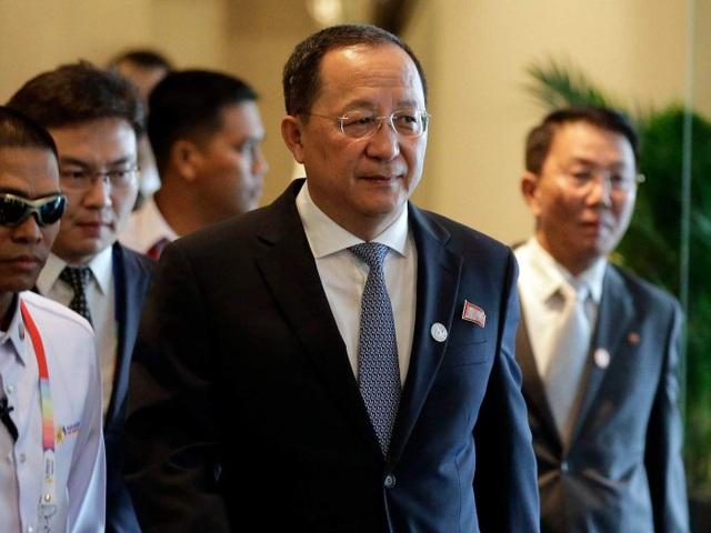 Ngoại trưởng Triều Tiên Ri Yong-ho (Ảnh: AP)