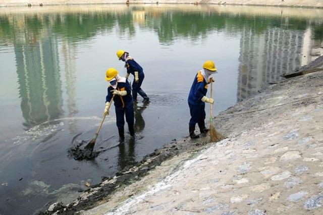 Phần lớn các hồ nội thành, nội thị ở các cấp loại đô thị đều bị ô nhiễm chất hữu cơ (Ảnh minh hoạ)