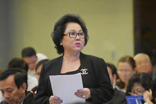 Chủ tịch Hội Lương thực thực phẩm TPHCM Lý Kim Chi mong thành phố sớm khắc phục tình trạng trên nóng dưới lạnh