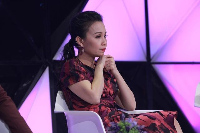 Những phút giây lắng đọng của giám khảo Nhật Tinh Anh và Cẩm Ly.