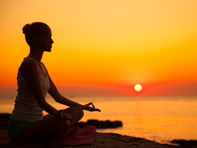 Thiền chính niệm có thể giúp giảm lo lắng trong khi chờ đợi tin xấu.