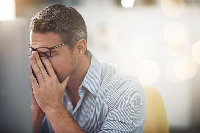 Chấp nhận cảm xúc tiêu cực có thể giúp bạn cảm thấy tốt hơn về lâu dài.