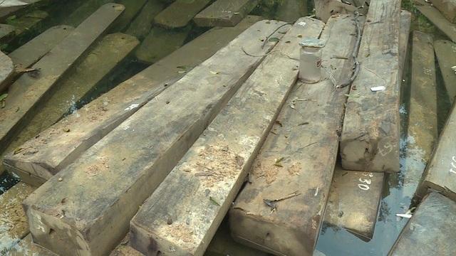 Quan kiểm đếm, lực lượng chức năng phát hiện có 429 hộp gỗ các loại, với tất cả 97m3 gỗ.