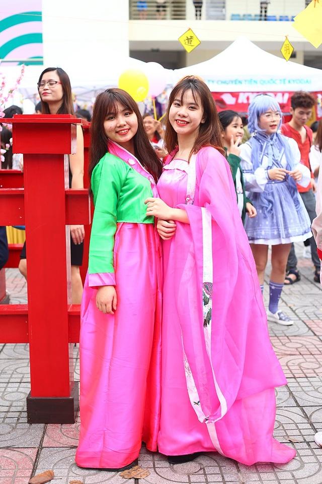 Hot girl Ngọc Nữ diện áo dài xinh đẹp trong lễ hội văn hóa Nhật Bản - 10