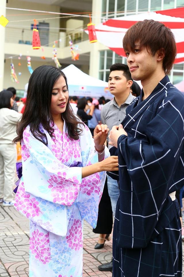 Trang phục cosplay và kimono luôn là điểm nhấn của các lễ hội Nhật Bản
