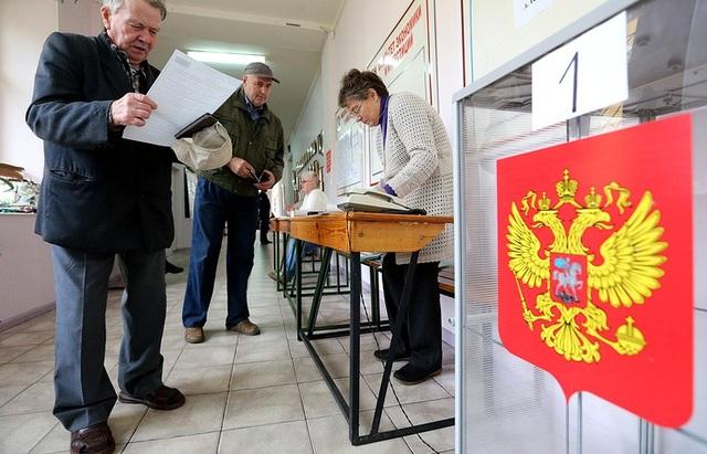 Điểm bỏ phiếu đầu tiên mở cửa lúc 8h sáng ngày 17/3 tại Kamchatka và Chukotka, theo sau là các điểm bỏ phiếu ở đảo Sakhalin. (Ảnh: TASS)
