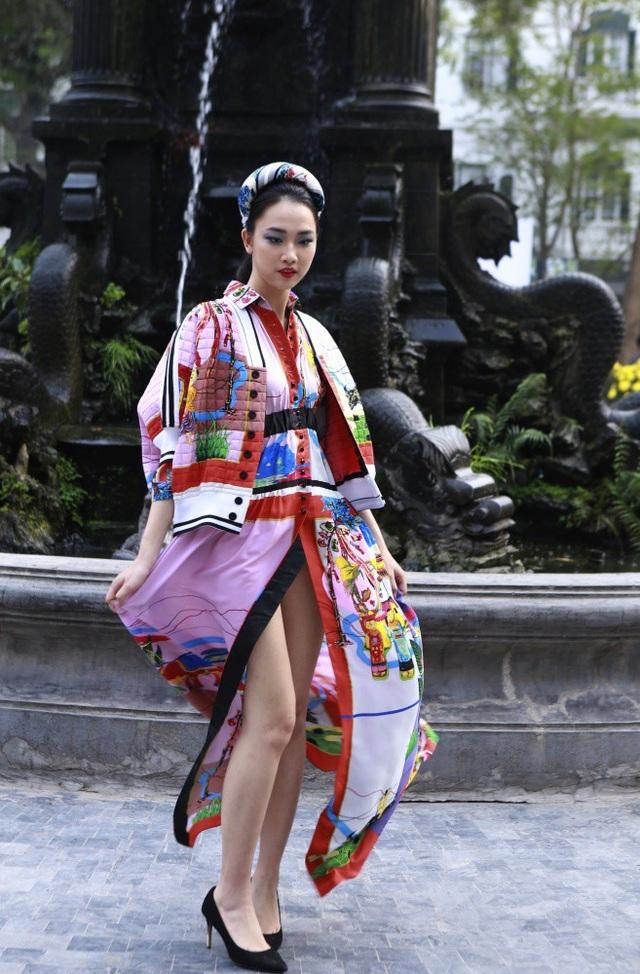 Tất cả các mẫu thiết kế đều sử dụng chất liệu lụa tơ tằm của Bảo Lộc (Lâm Đồng).